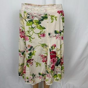 CAbi O'hara Floral Skirt 380 Crocheted Lace Trim 2